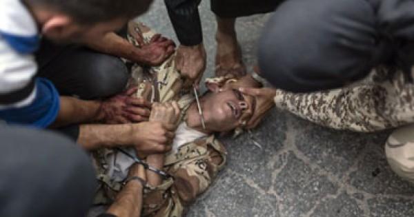 بالصور: جندي سوري أيدي عناصر 3909989381.jpg