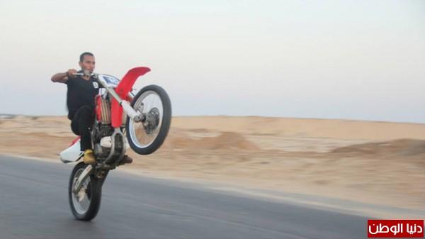 استعراضات لعشاق الدراجات النارية بغزة 3909989692.jpg
