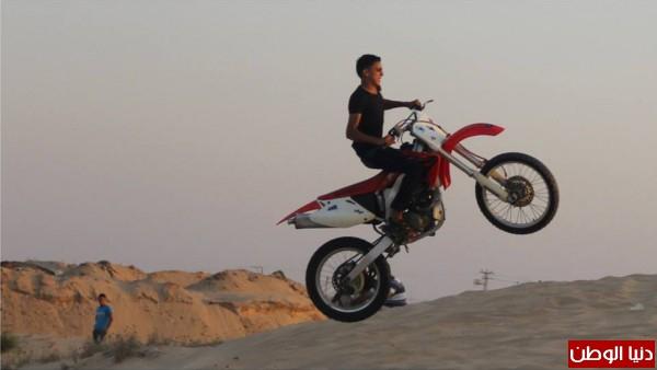 استعراضات لعشاق الدراجات النارية بغزة 3909989697.jpg