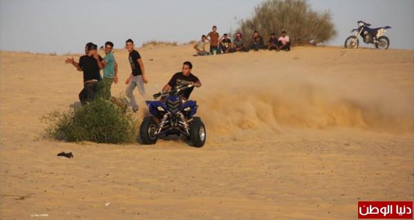 استعراضات لعشاق الدراجات النارية بغزة 3909989699.jpg