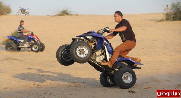 استعراضات لعشاق الدراجات النارية بغزة 3909989703.jpg
