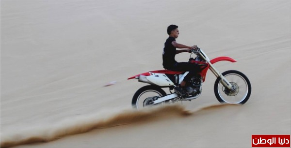 استعراضات لعشاق الدراجات النارية بغزة 3909989706.jpg