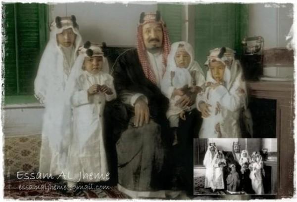3910018869 صور نادرة للملك عبد العزيز بن عبد الرحمن بن فيصل ال سعود وابناءه