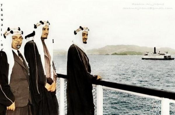 3910018875 صور نادرة للملك عبد العزيز بن عبد الرحمن بن فيصل ال سعود وابناءه