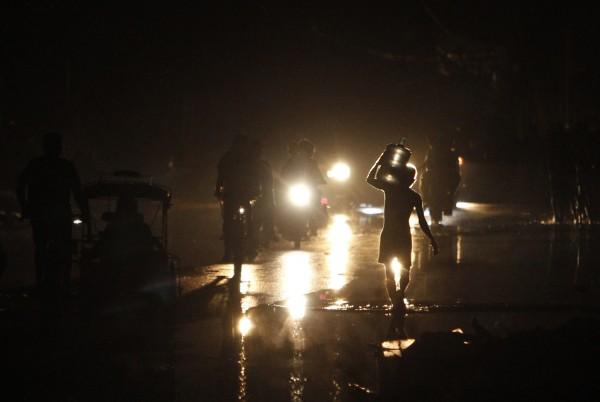 """بالصور جولة ميدانية اعصار """"هايان"""" الفلبين 2014 3910026761.jpg"""