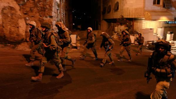 """الاحتلال يغتال فلسطينيين """"كمين"""" بالخليل 3910040741.jpg"""