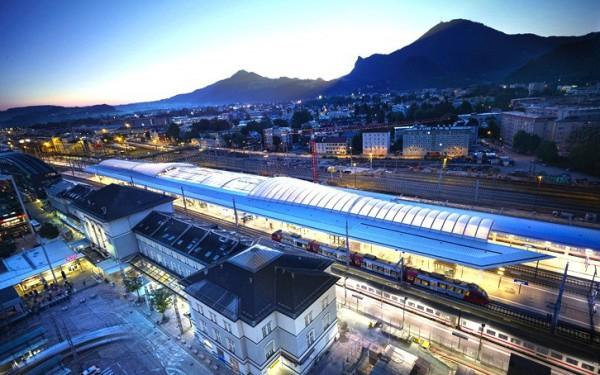 صور ومعلومات عن محطة سكك حديد اوستيريا سالزبيرج عالم من الحداثة المعمارية 3910040956.jpg