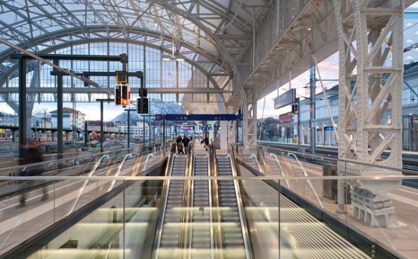 صور ومعلومات عن محطة سكك حديد اوستيريا سالزبيرج عالم من الحداثة المعمارية 3910040963.jpg