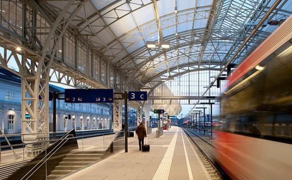 صور ومعلومات عن محطة سكك حديد اوستيريا سالزبيرج عالم من الحداثة المعمارية 3910040964.jpg