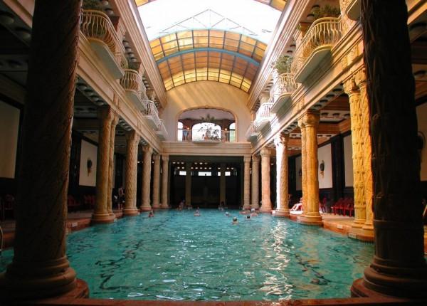 اغرب حمامات السباحة 2014 حمامات