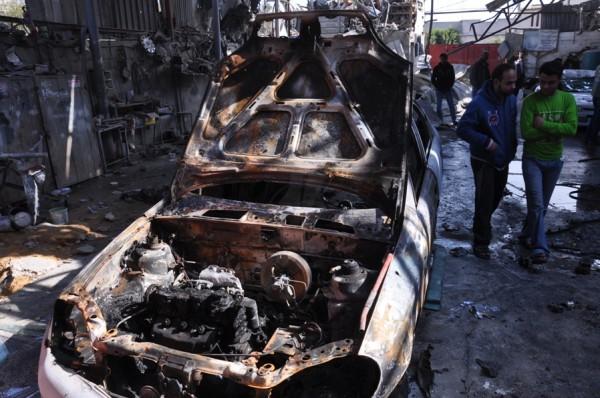 بالصور: خسائر كبيره آثار الغارات 3910134212.jpg
