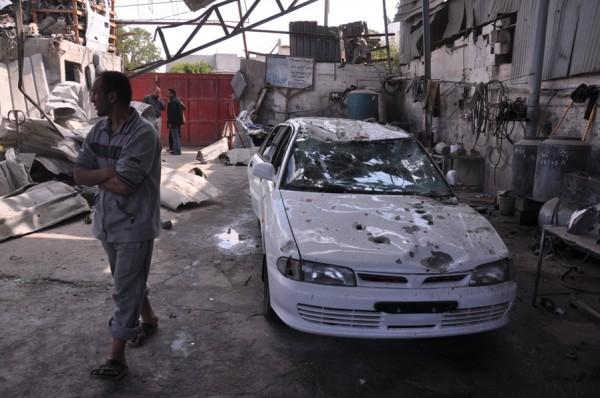 بالصور: خسائر كبيره آثار الغارات 3910134215.jpg