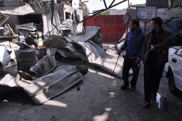 بالصور: خسائر كبيره آثار الغارات 3910134221.jpg