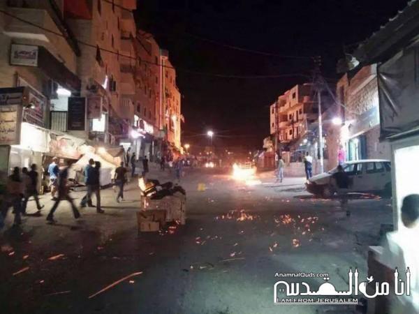 حرب شوارع حقيقية في أحياء القدس:طعن شرطي إسرائيلي وحريق ضخم في متحف روكفلر   3910211674