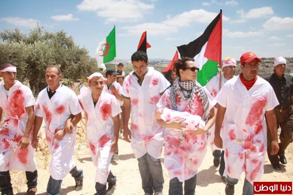 اعتقال ناشطين وإصابة مواطن والعشرات بحالة الاختناق في مسيرة بلعين الأسبوعية 3910221269