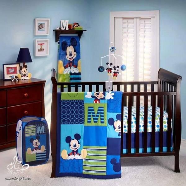 ميكي ماوس في غرفة طفلك