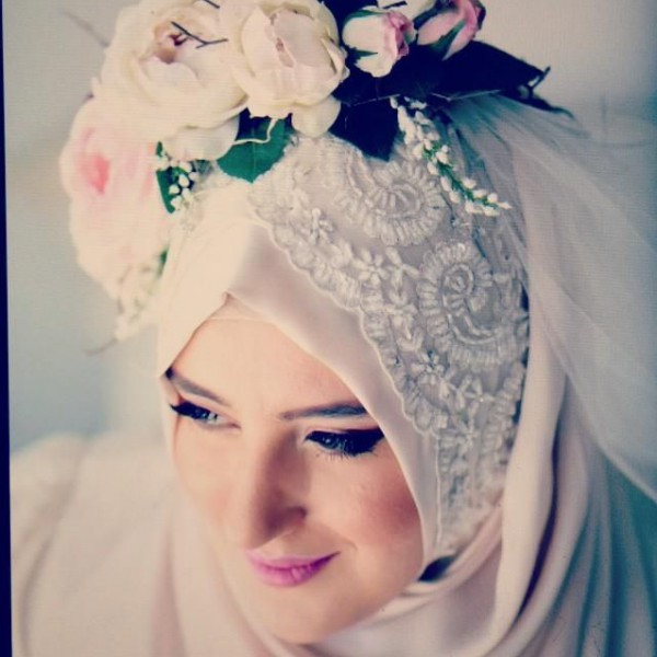 الورود طرحة العروس المحجبة!