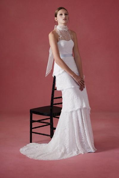 c024debd9a1df بالصور ... أجمل فساتين زفاف أسبوع موضة العرائس للموسم القادم