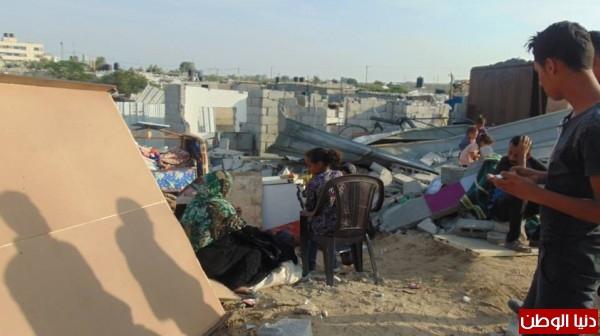 خانيونس:40 لاجئا يعانون منازلهم والجهات 3910729317.jpg