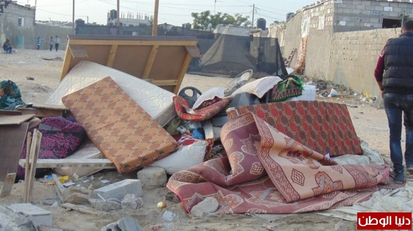 خانيونس:40 لاجئا يعانون منازلهم والجهات 3910729320.jpg