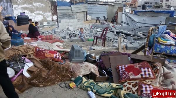 خانيونس:40 لاجئا يعانون منازلهم والجهات 3910729323.jpg