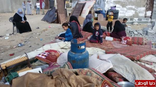 خانيونس:40 لاجئا يعانون منازلهم والجهات 3910729324.jpg