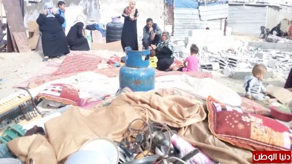 خانيونس:40 لاجئا يعانون منازلهم والجهات 3910729329.jpg