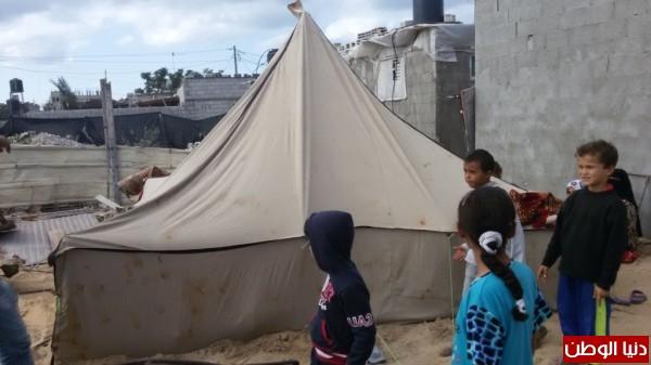 خانيونس:40 لاجئا يعانون منازلهم والجهات 3910729332.jpg