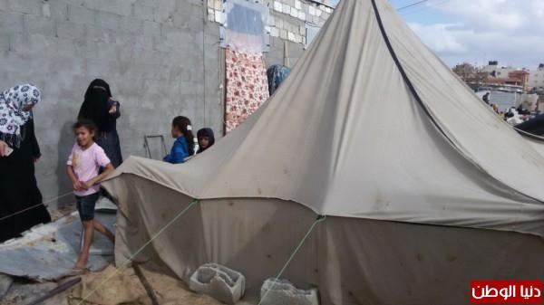 خانيونس:40 لاجئا يعانون منازلهم والجهات 3910729333.jpg