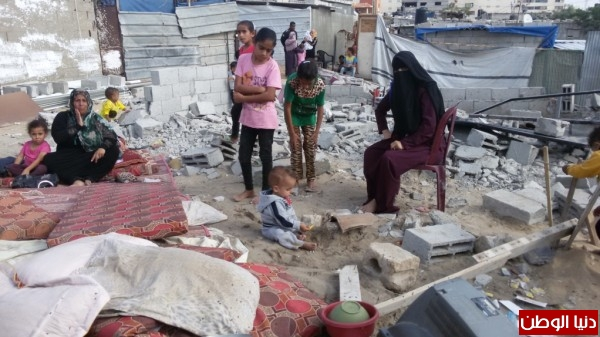 خانيونس:40 لاجئا يعانون منازلهم والجهات 3910729336.jpg