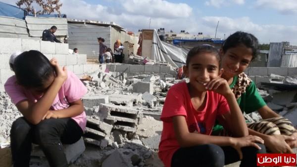 خانيونس:40 لاجئا يعانون منازلهم والجهات 3910729339.jpg