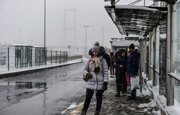الثلوج تغطي اسطنبول 3910745382