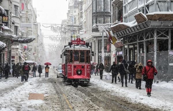 الثلوج تغطي اسطنبول 3910745384
