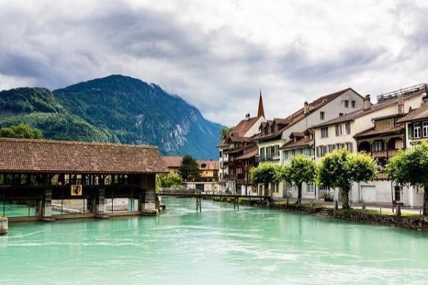 الريف السويسري 3910747405