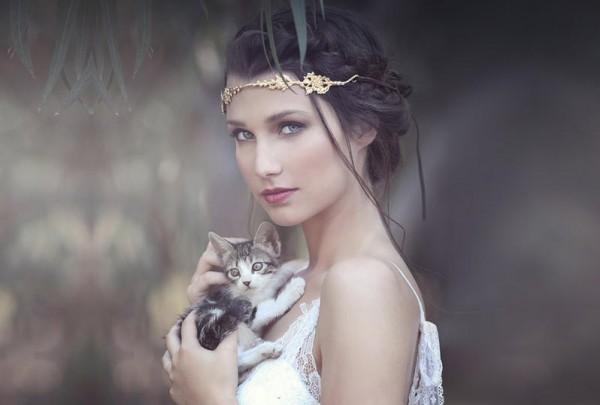 تسريحات رومانية لعروس غير تقليدية 3910771937