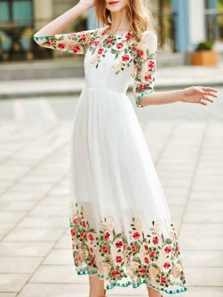 اختاري فستانك المرصع بالورود لاطلالة صيفية جذابة 3910795485
