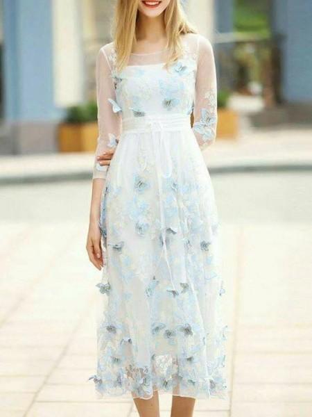 اختاري فستانك المرصع بالورود لاطلالة صيفية جذابة 3910795488