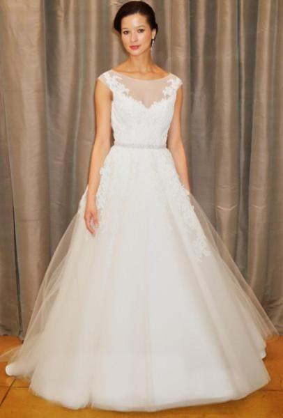 """اختاري اطلالة جذابة ليوم زفافك """"بالتول"""" 3910796482"""