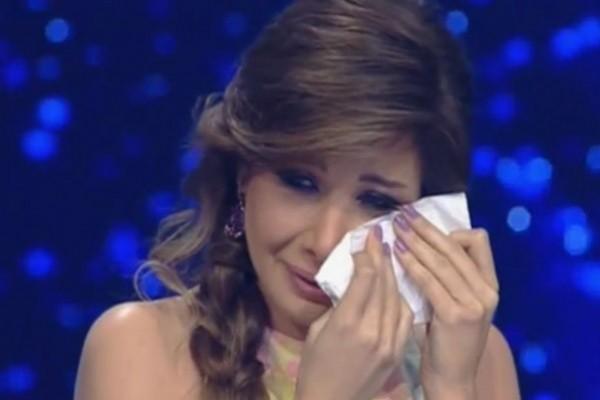 صور نادرة لشكل نجمات العرب والعالم في نوبات البكاء