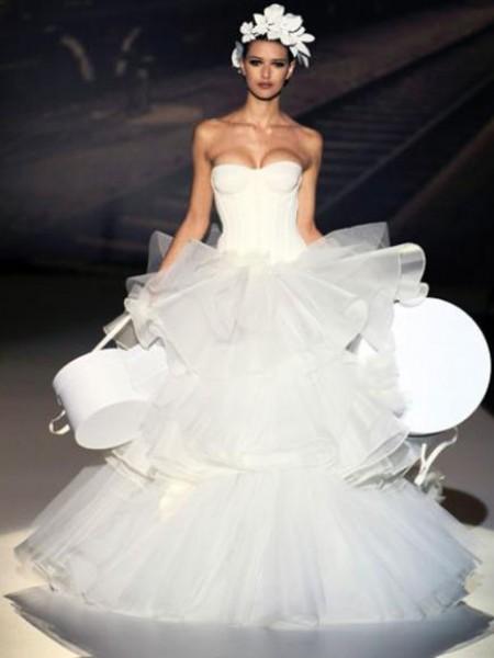 86d1132eff249 فيديو وصور  أسوء 10 فساتين زفاف في العالم
