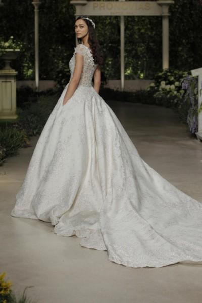 40b002c989e6d أجمل فساتين زفاف 2019 بوحي من سندريلا