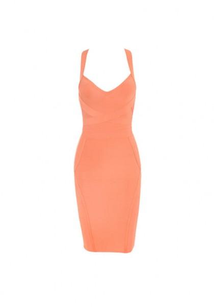 تألقي بإطلالة مثيرة بهذه الفساتين 3910914515