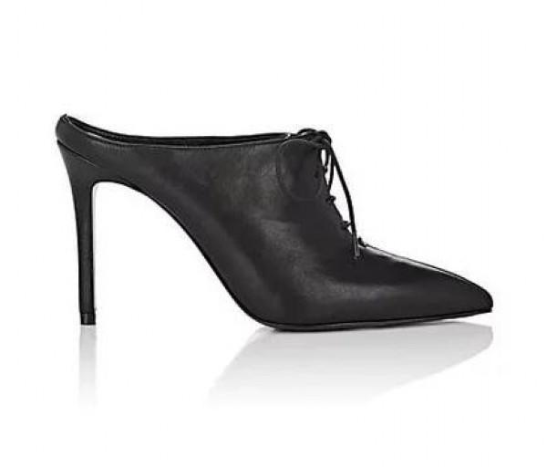 الأربطة تسيطر على صيحات أحذية الكعب العالي  3910917453
