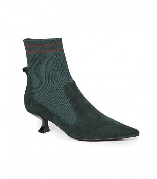 صيحات حذاء البوت الأكثر رواجاً لهذا الخريف 3910926025