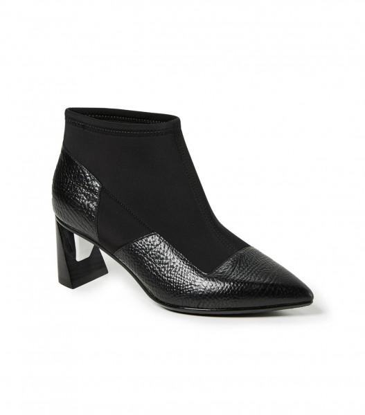 صيحات حذاء البوت الأكثر رواجاً لهذا الخريف 3910926032