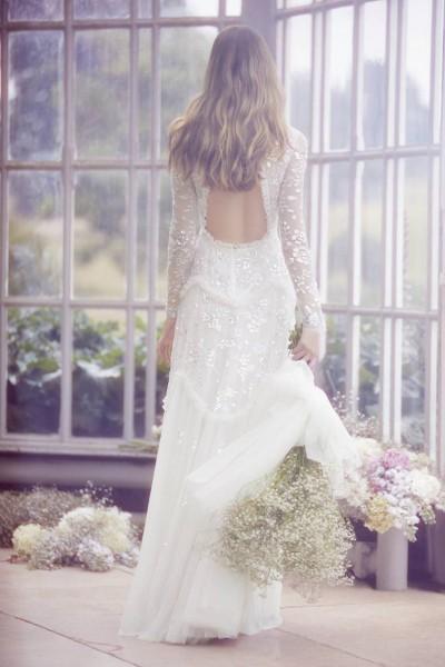 تصاميم فريدة لفساتين زفاف 3910934452