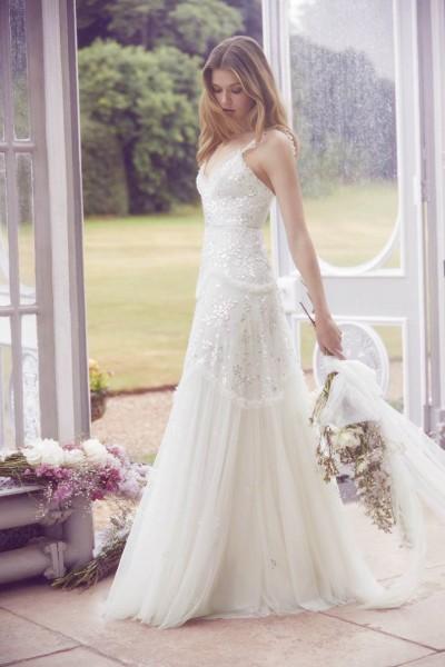 تصاميم فريدة لفساتين زفاف 3910934457