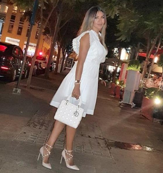 a87e24ee45853 الحذاء الأبيض موضة الموسم.. نسقيه بأسلوب النجمات العصري