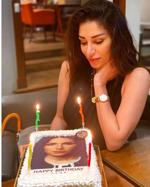 الفنانة السورية سارة نخلة تحتفل بأول عيد ميلاد بعد انفصالها عن الفنان المصري أحمد عبدالله محمود برسالة مؤثرة