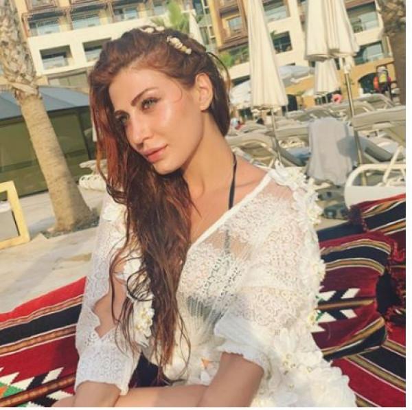 النجمة هبة نور تشارك جمهورها  صوراً من إجازتها على أحد شواطئ بيروت